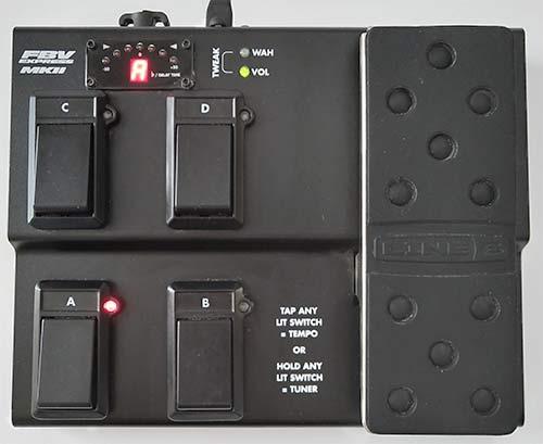 電源供給するとLCD及びパッチ番号、ペダルLEDが点灯する