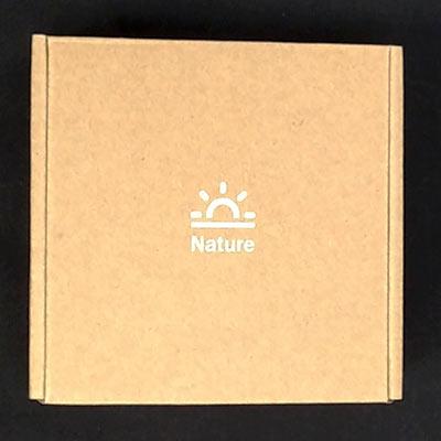 内箱は段ボールでNatureロゴが印字されています