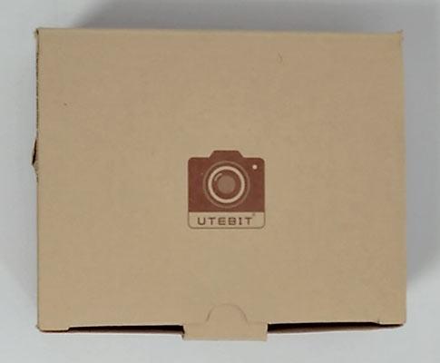 茶色の箱にUTEBITのロゴマークのみ印字されている