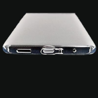 TPUクリアケースの底面部 USBカバーが付いています