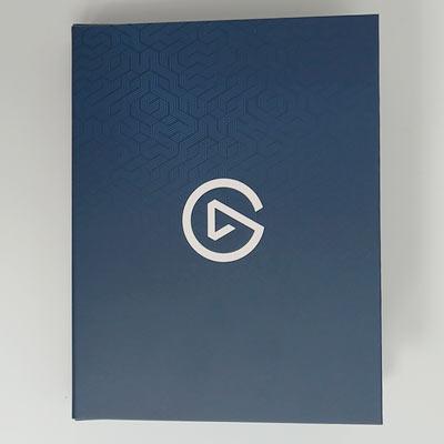 綺麗な内箱に本体が入っていました。 表面にはelgatoのロゴが印刷されています