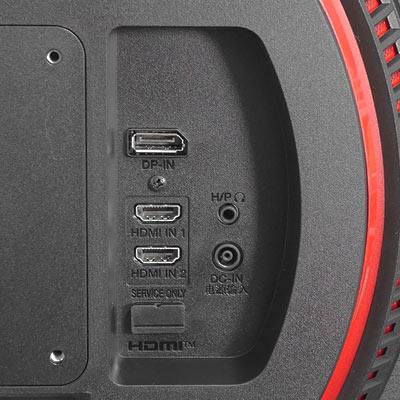 背面に入力端子が集約されています。 左上から、ディスプレイポートx1、HDMIx2、ヘッドフォンジャック(3.5mmステレオ)、電源ポートです